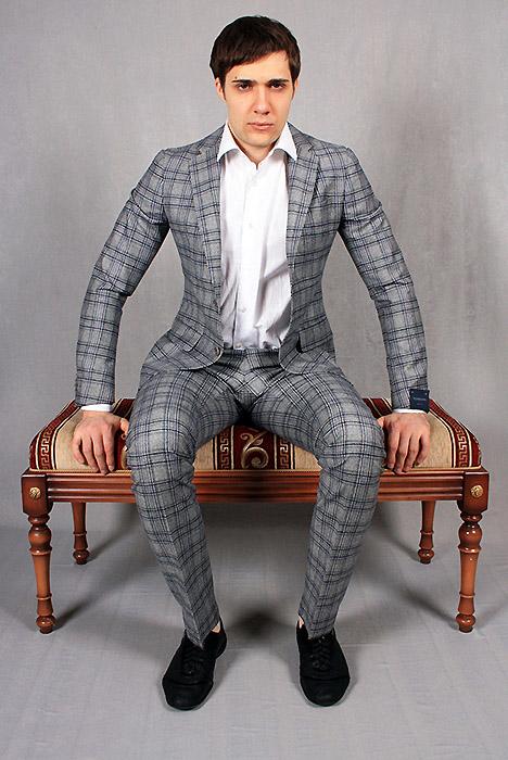 38c7fafb335d ... обладает высокой эстетичностью и придает аристократичность и  благородство внешнему облику. Молодые люди неслучайно выбирают стильный клетчатый  костюм, ...