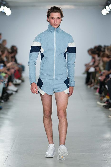 Мужской джинсовый костюм  модели b9c79d6ccce06