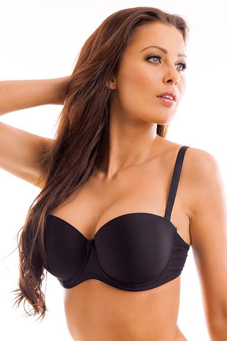 Голые женщины с низко посаженной грудью