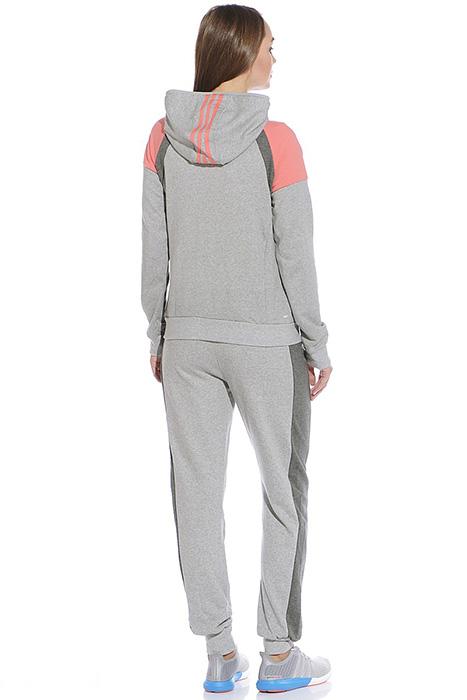 3bd034e1 Серый спортивный костюм подойдет как мужчине, женщине, так и ребенку,  поклоннику одежды умеренного дизайна и ценителю оригинальных образов.