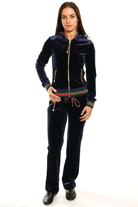 6d6cd4ad Создать стильные повседневные образы и оригинальные молодежные луки  позволяют спортивные костюмы Gucci. Изысканность дизайна, утонченное  декорирование ...