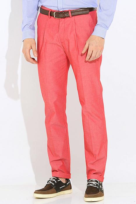 f159aa46b52 Такие брюки можно назвать самым традиционным вариантом. Прямые модели  подходят всем без исключения мужчинам вне зависимости от рода деятельности  и ...