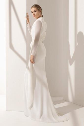 76c7dccb18f Платье с длинными рукавами – отличный вариант для прохладного времени года.  Также рукава могут использоваться для того