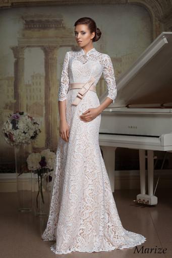 29db1a8d35df993 Актуальны модели, в которых верхняя часть платья выполнена из кружева и  плавно переходит в воротник. Длина наряда может быть любой, с высоким  вороток ...